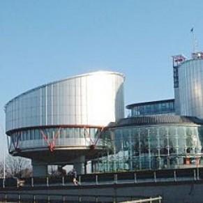 Un jugement reconnaît un droit des trans à la parentalité  - Cour européenne des droits de l'Homme