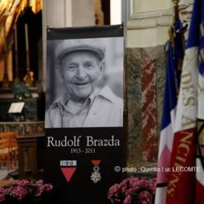 Une cérémonie d'hommage national à Rudolf Brazda a eu lieu à Paris - Déportation homosexuelle