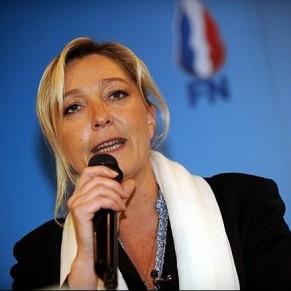 Pour Marine Le Pen, Hollande a cédé à la <I>lobbycratie</I>