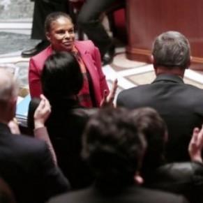 L'Assemblée a voté le projet de loi ouvrant le mariage aux couples  homosexuels - Mariage pour tous