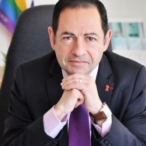 Jean-Luc Roméro porte plainte et appelle Twitter à agir   - Homophobie