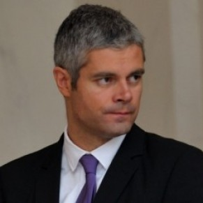 Laurent Wauquiez supprime les subventions de multiples associations LGBT