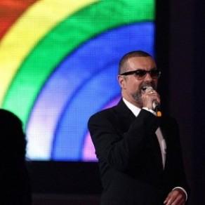 George Michael, homosexuel sorti du placard pour défendre les droits des gays