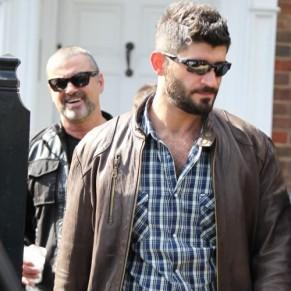 Le compagnon de George Michael dormait dans sa voiture la nuit de la mort du chanteur - Disparition