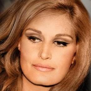 Trente après sa mort, Dalida, icône gay, de retour au cinéma et en... hologramme  - Célébrités