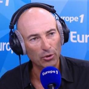 Malaise à Europe 1 après une chronique de Canteloup autour du viol du jeune Théo  - Aulnay-sous-Bois