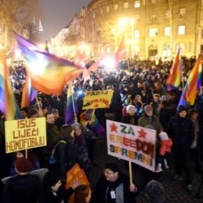 Manifestation après l'attaque au gaz lacrymogène contre une boîte de nuit gay - Zagreb