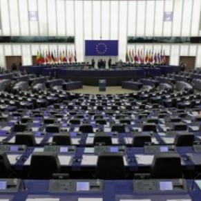 Le Parlement européen demande aux États membres d'arrêter la stérilisation forcée et la médicalisation des personnes trans - Europe