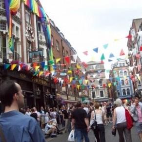 Balade dans le Soho d'autrefois, fragile refuge des gays londoniens - Londres