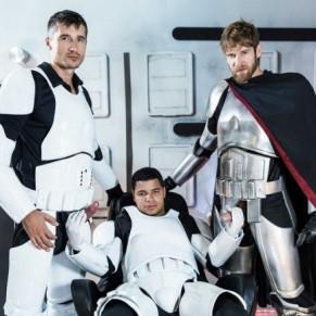 STAR WARS 2 ;  les soldats de la galaxie s'envoyent en l'air  - DVD / Men.com