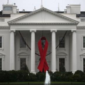 Démission de six experts sur le sida conseillant Trump pour protester contre sa politique sur la question - Etats-Unis