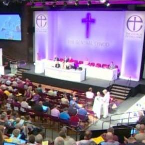 L'Église d'Angleterre va accueillir les personnes transgenres - Royaume-Uni
