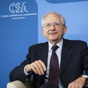Le patron du  CSA croit aux vertus pédagogiques des sanctions contre Hanouna - Homophobie