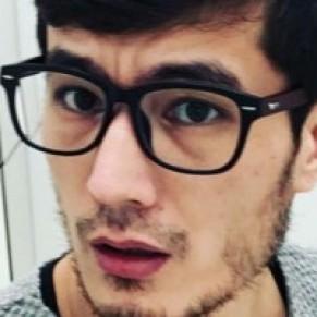 Un journaliste homosexuel, en attente d'expulsion vers l'Ouzbékistan, tente de s'automutiler