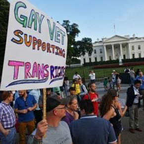 Des militaires transgenres poursuivent Trump en justice - Etats-Unis