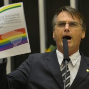 Un candidat d'extrême droite homophobe menace Lula dans les sondages - Brésil / Présidentielle