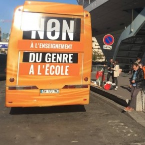 Les associations LGBT dénoncent un <I>bus de la honte</I> circulant à Paris - Genre