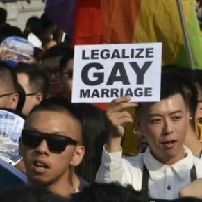 Une gay pride en attendant la légalisation du mariage - Taïwan