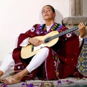 <I>Chavela Vargas</I>, la vie tempétueuse de la mythique chanteuse mexicaine - Cinéma