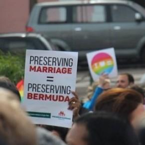 Les Bermudes abolissent le mariage homosexuel six mois après sa légalisation  - Retrour en arrière