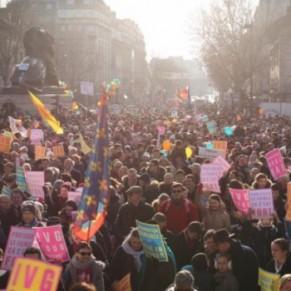 Plusieurs milliers d'opposants à l'avortement et à la PMA défilent à Paris - <I>Marche pour la vie</I>