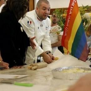 Le chef cuisinier de l'Elysée enseigne son art à des ados gays en Israël - Insertion