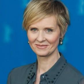 L'actrice ouvertement lesbienne Cynthia Nixon candidate au poste de gouverneur de New York - Etats-Unis