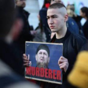 Le calvaire et l'exil angoissé d'un gay de Tchétchénie - Traque, chantage, tabassages