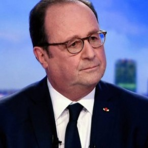 François Hollande regrette de ne pas avoir ouvert la PMA aux couples lesbiens  - Mémoires