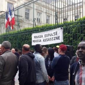 Le militant gay de Aides menacé d'expulsion en garde à vue à Lyon