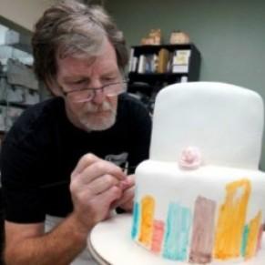 La Cour suprême offre une victoire partielle au pâtissier américain ayant refusé un gâteau de mariage gay - USA