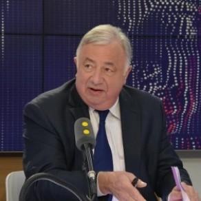 Gérard Larcher contre <I>une procédure accélérée</I> concernant l'ouverture de la PMA