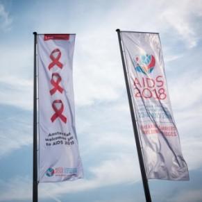 Ne pas baisser la garde, malgré les progrès - Conférence sida / Amsterdam