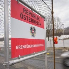 La demande d'asile d'un jeune Afghan gay refusée par un agent qui ne le trouve pas assez stéréotypé - Autriche