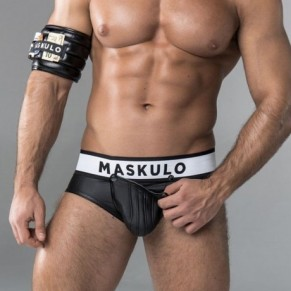 Maskulo, le look ultra-viril - Sportswear / Fetish