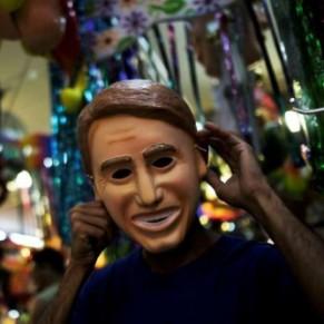 Jair Bolsonaro publie une vidéo de golden shower pour discréditer les gays et le carnaval - Brésil