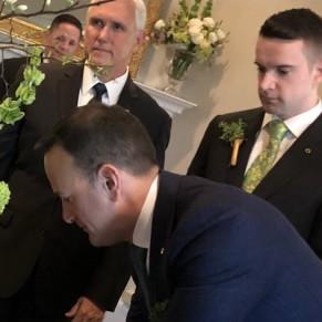 Le premier ministre gay irlandais rencontre Mike Pence accompagné de son petit ami  - International