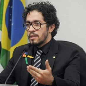 Bolsonaro <I>a fait de moi un paria</I>, accuse l'ex-député gay Jean Wyllys - Brésil