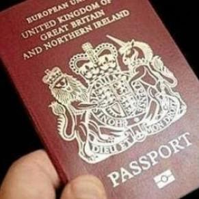 La justice rejette un recours pour inscrire le genre neutre sur les passeports - Grande-Bretagne