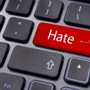 Le Parlement s'apprête à adopter un projet de loi controversé sur la haine en ligne