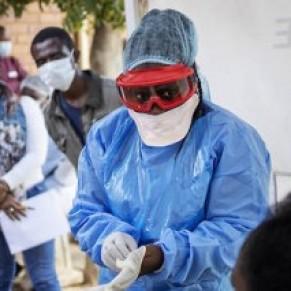 Sur le front du coronavirus, souvenirs de la guerre contre le sida - Témoignage