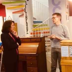 Agnès Buzyn à la rencontre des associations LGBT dans le Marais