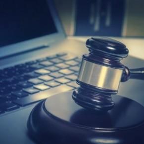 La France ne renonce pas à une législation sur la haine en ligne, malgré l'échec du texte censuré par le Conseil constitutionnel - Homophobie / Racisme
