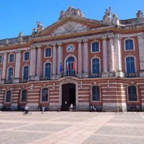 Un collaborateur de la majorité mis à pied pour des propos homophobes - Municipales à Toulouse