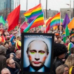 Une femme transgenre remporte un procès historique contre son employeur - Russie