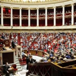 Près de 2.300 amendements au menu lundi à l'Assemblée - Loi bioéthique