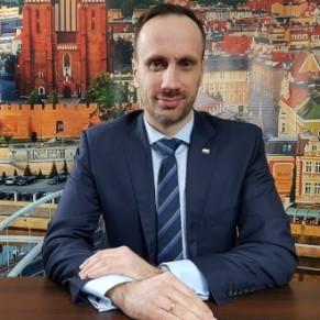 Après les sanctions européennes, un ministre veut étendre les zones sans LGBT à tout le pays - Pologne / UE