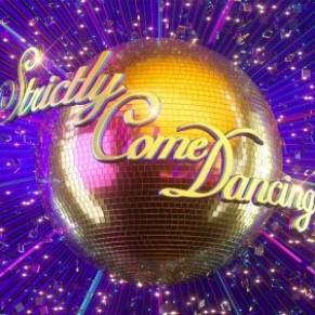 La version britannique de <I>Danse avec les stars</I> forme son premier couple de danseuses - Grande-Bretagne