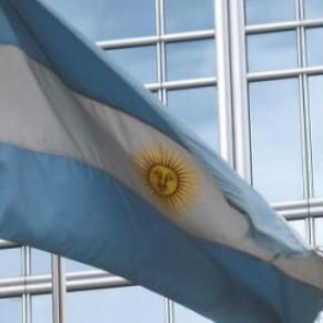 L'Argentine introduit des quotas d'emploi des personnes transgenres dans le secteur public - Amérique latine