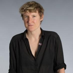 Alice Coffin, la féministe lesbienne qui pointe les hommes et qui divise - Portrait